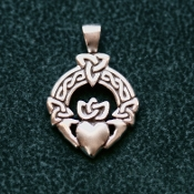Trinity Claddagh, New Puff Heart!