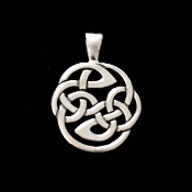 Pictish Protection Knot Pendant, Medium. 19.5mm