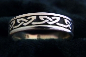 """Celtic Hearts Ring"""