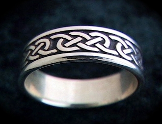"""Lovers Knot Ring"" 8mm"