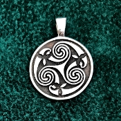 Triskele pendant, medium