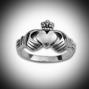 Claddagh Ring small